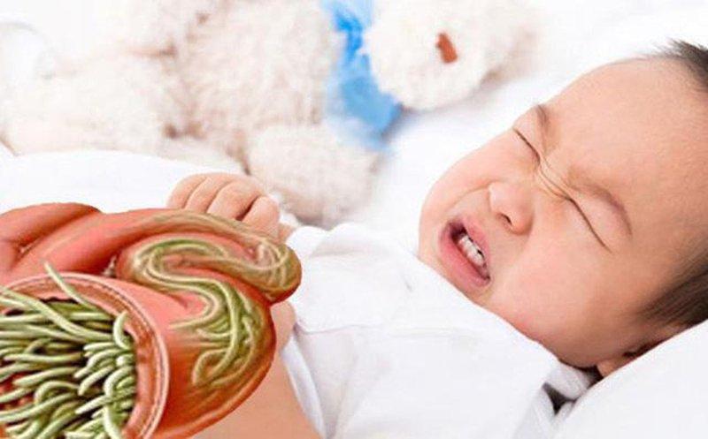Trẻ nhỏ nhiễm giun sán
