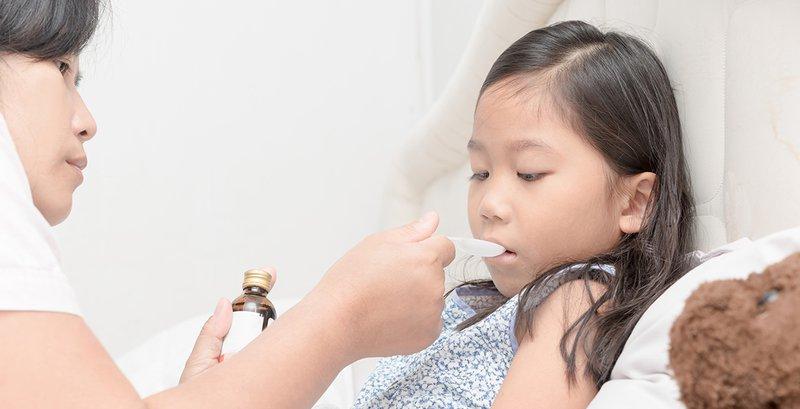 Trẻ bị đau họng
