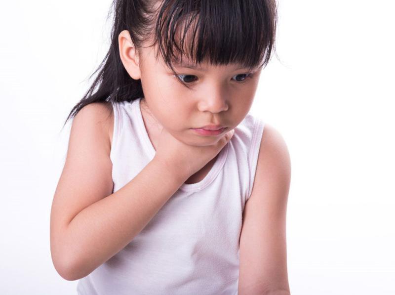 Sơ cứu khi trẻ bị ngạt đường thở do dị vật