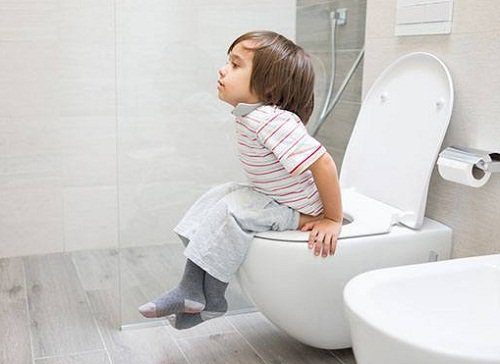 Thế nào là táo bón mạn chức năng ở trẻ em?