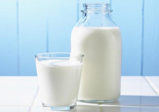 Khi nào trẻ nên dùng sữa tươi