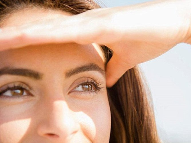 Tác hại của tia cực tím (tia UV) tới mắt