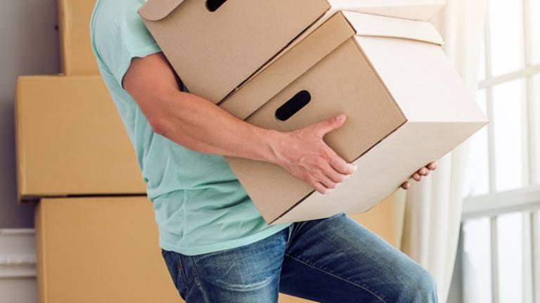 Hướng dẫn nâng vật nặng đúng cách, tránh chấn thương | Vinmec