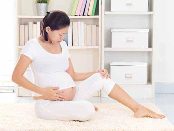 Đau chân khi mang thai