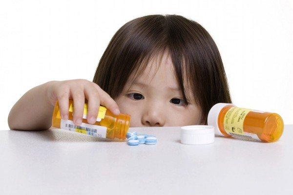 Ngộ độc thức ăn uống thuốc gì