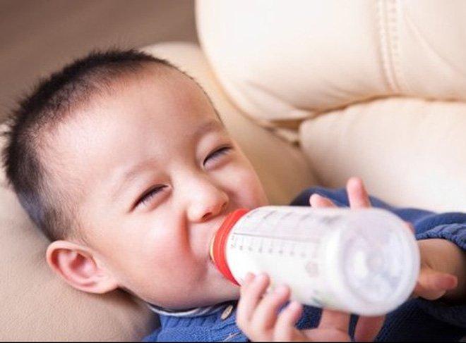 Trẻ bị dị ứng sữa dê