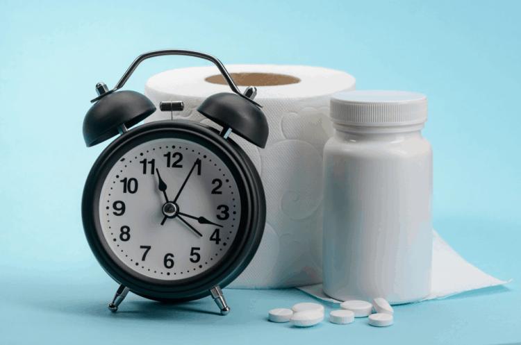 Uống thuốc nhuận tràng giảm táo bón ở người lớn tuổi