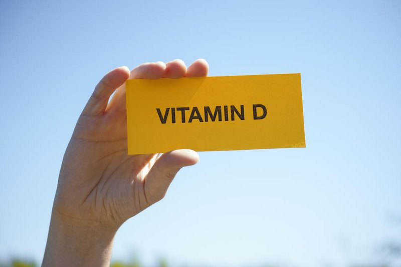 nguoi-lon-co-can-bo-sung-vitamin-d