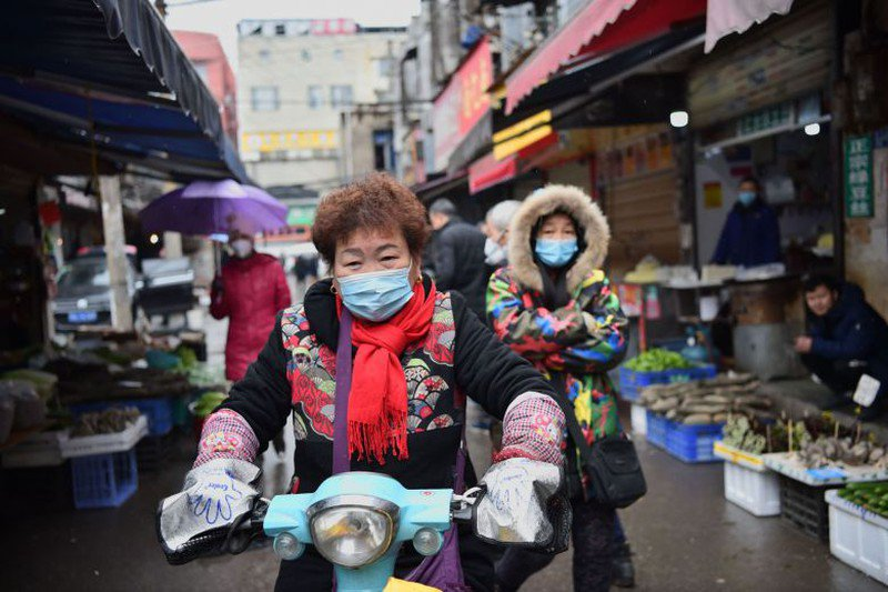 Chú ý khi mua sắm tại chợ dân sinh để giảm nguy cơ mắc virus corona