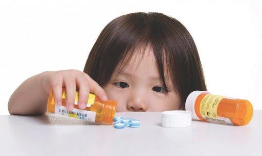 Để thuốc xa tầm với trẻ nhỏ, thuốc trẻ nhỏ