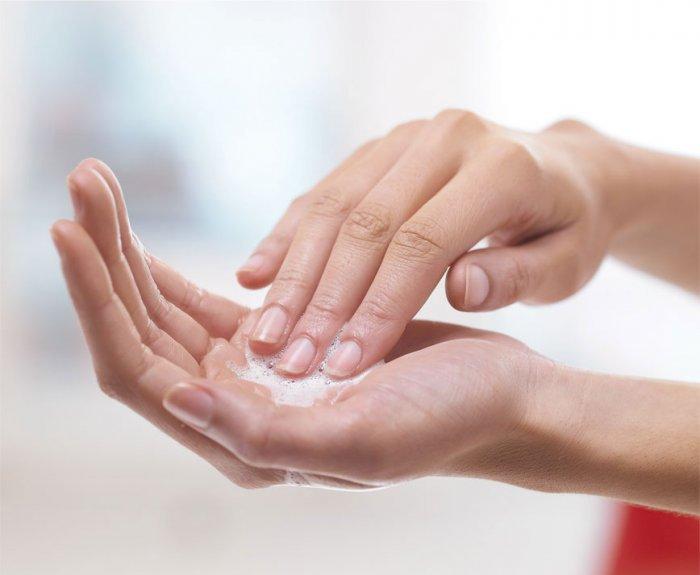 Sử dụng nước rửa tay khô