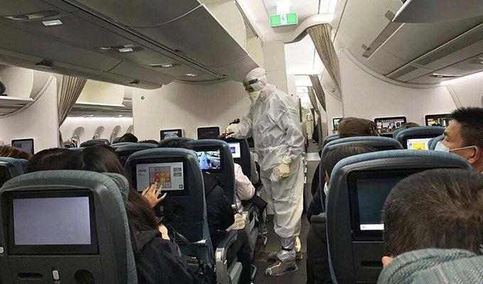 người làm trên máy bay phòng corona thế nào