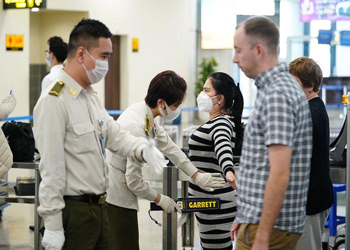 sân bay có lây nhiễm corona không