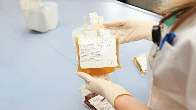 Điều trị dịch bệnh do COVID-19 bằng truyền huyết tương