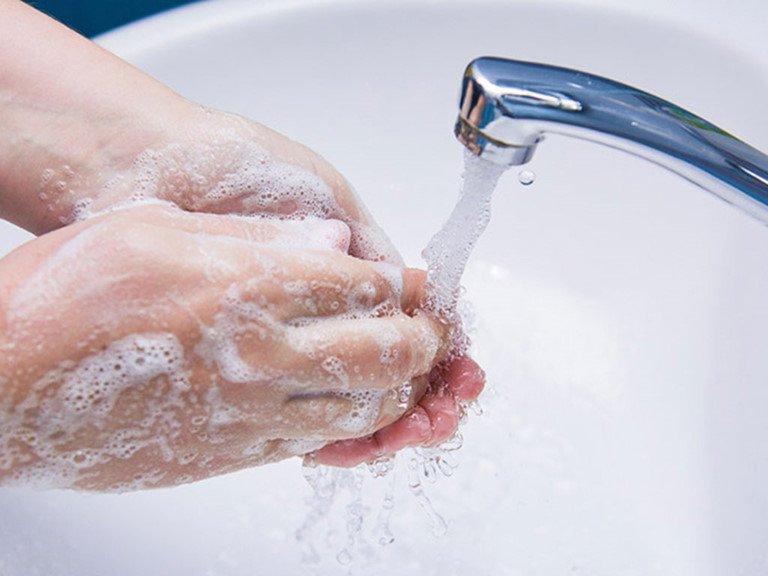 Lý giải khoa học: Vì sao bạn cần rửa tay sạch?