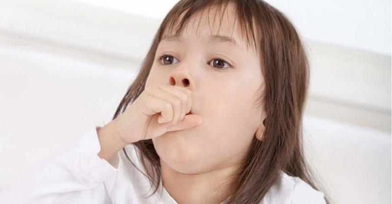 Bé sốt nhẹ, sổ mũi, quấy khóc và biếng ăn là bị bệnh gì?