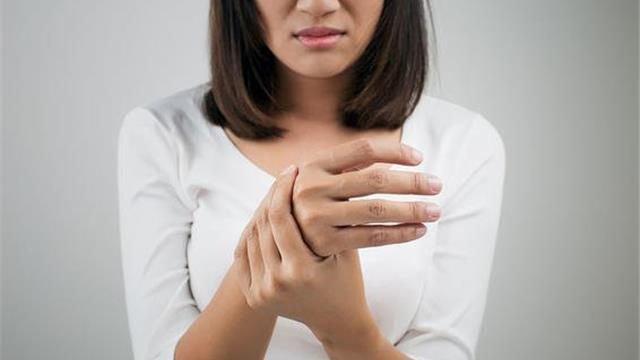 Hội chứng Guillain- Barre đau tay, khớp tay