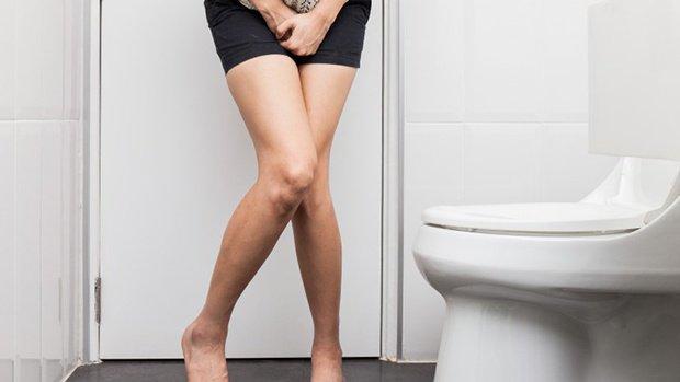 Đi tiểu liên tục, xuất hiện cơn co thắt vùng bụng là bị bệnh gì?