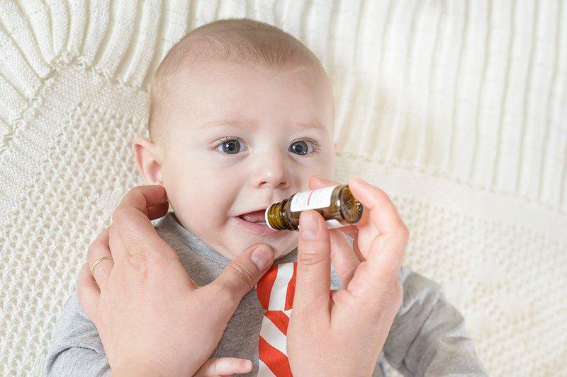 Vitamin D cho trẻ uống thuốc
