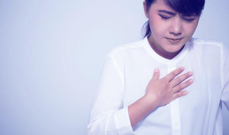 Hen suyễn khó thở tức ngực