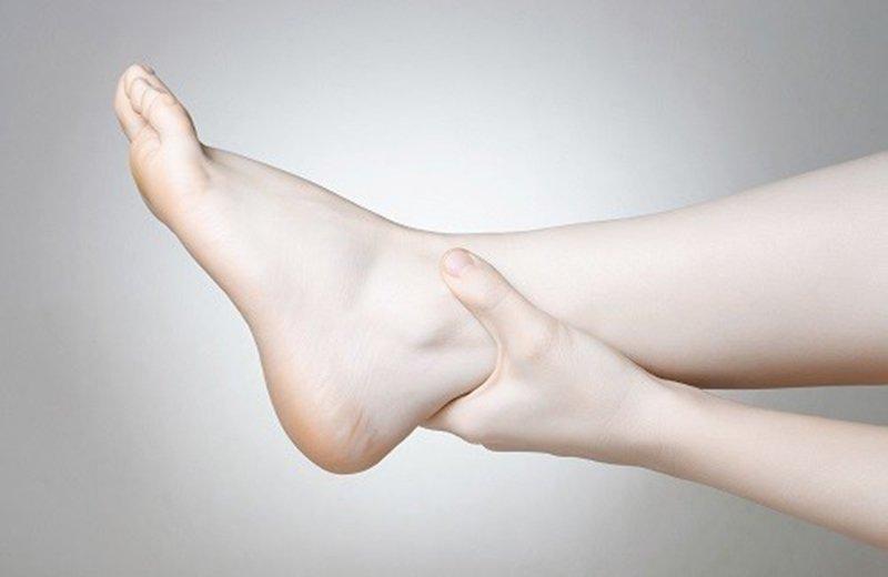 phù chân