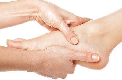 Không ép được mu bàn chân xuống là dấu hiệu của bệnh lý gì?