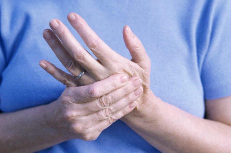 Bị bệnh khớp có dùng thuốc Glucosamine được không