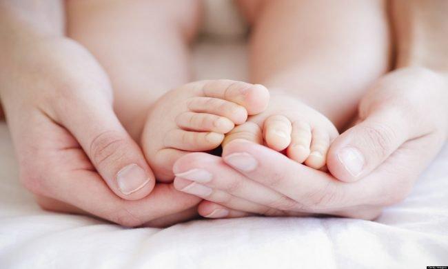 Trẻ 35 ngày tuổi bị rung giật tay chân