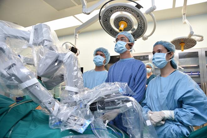 U xơ tử cung mổ bằng phương pháp nội soi