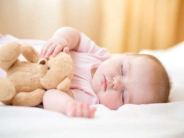 trẻ khó ngủ