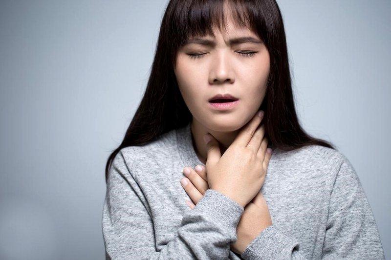 Đau họng viêm họng khàn giọng thanh quản khó thở hóc