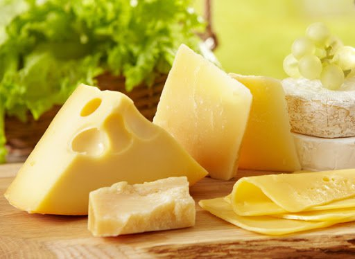 Người có cholesterol cao không nên ăn phô mai, bơ