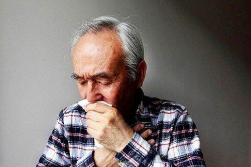 Các thuốc ức chế men chuyển có thể gây ho ở người cao tuổi