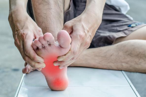 đau bàn chân