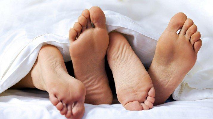 Sau sinh mổ 1 tháng quan hệ tình dục ra nhiều máu