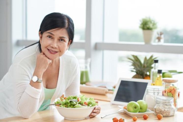 thực phẩm bổ sung cho phụ nữ mãn kinh