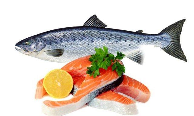 Cá hồi giàu omega-3 và vitamin B12
