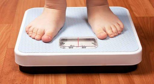 Trẻ 8 tháng tăng cân chậm