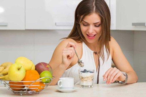 Tư vấn chế độ dinh dưỡng để giảm cân