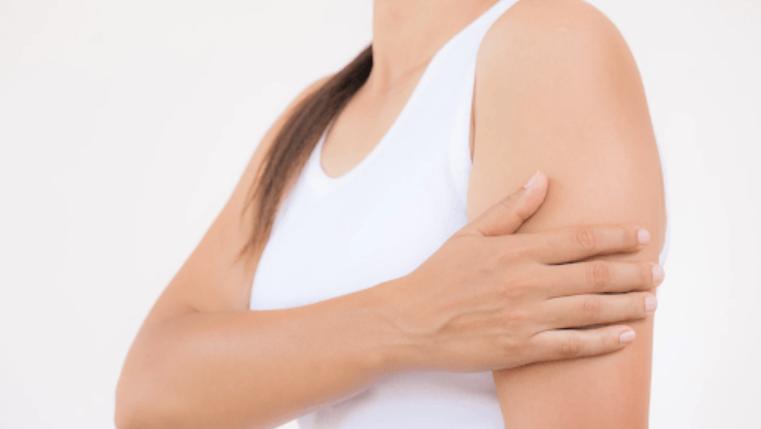 đau nhức bắp tay sau tiêm