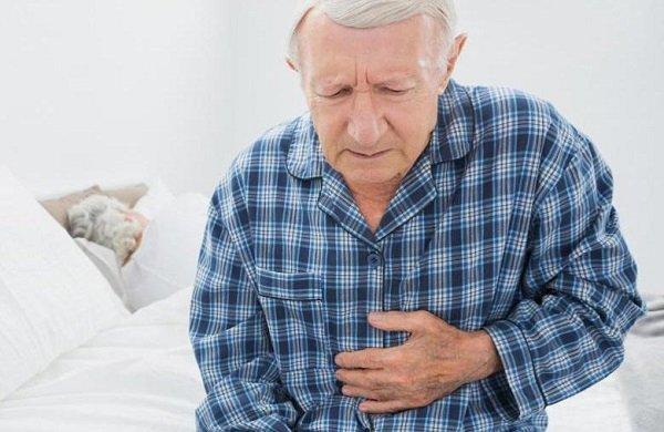 Vì sao người già bị rối loạn tiêu hóa?