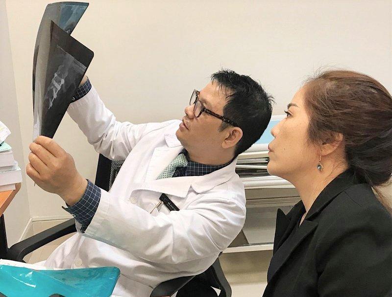Phẫu thuật gù lưng