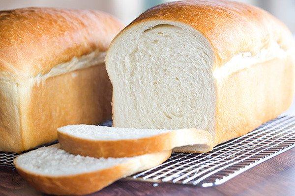 Bánh mì trắng chứa nhiều Carbohydrate tinh chế không tốt cho bệnh nhân hở van tim