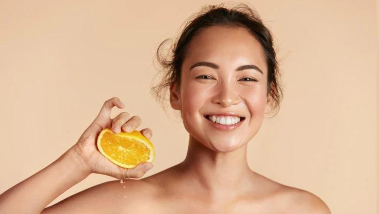 Vitamin C có trị được mụn