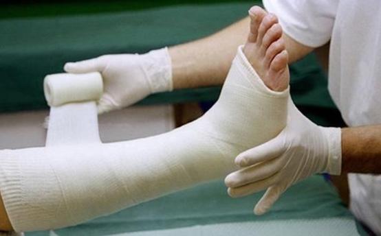 Đau buốt, co giật phần chân cụt sau phẫu thuật cắt xương đùi