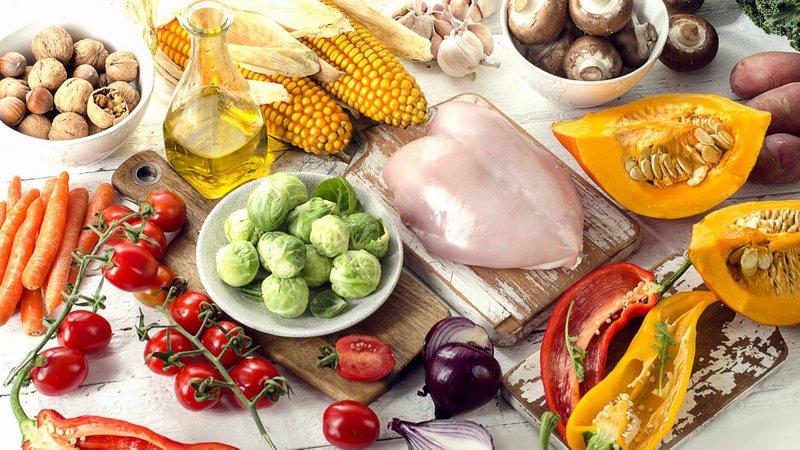 Chế độ dinh dưỡng đa dạng giúp hỗ trợ điều trị viêm gan E