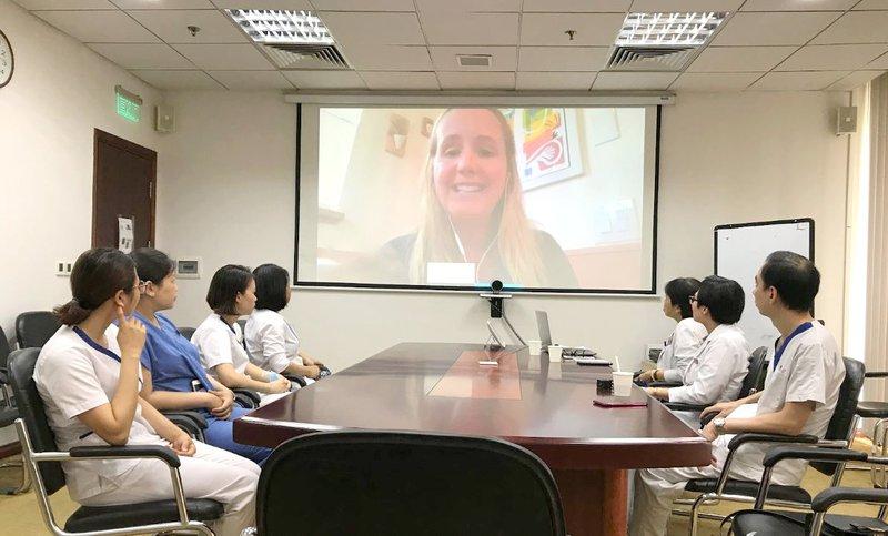 Chuyên gia Đại học PENN hội chẩn chuyên môn online với các bác sĩ ung bướu tại Bệnh viện Vinmec Times City