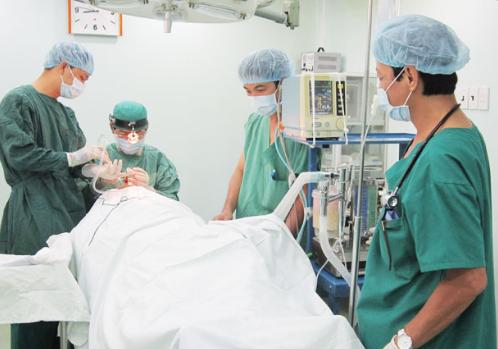 Phẫu thuật liệt dây thanh quản