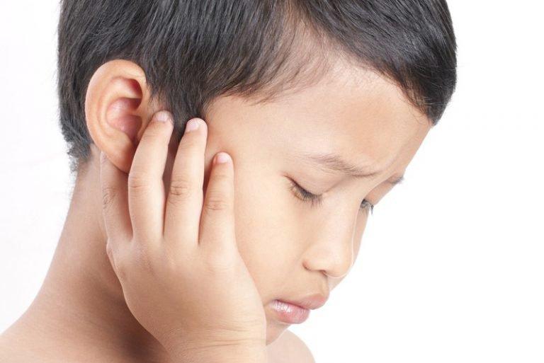 Xử trí dị vật trong tai trẻ