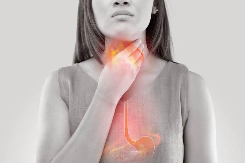 Trào ngược dịch dạ dày vào đường thở